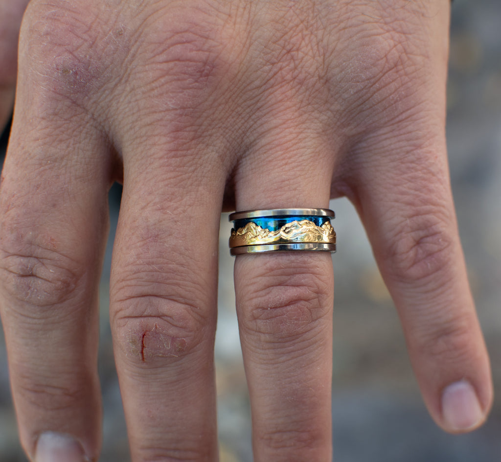 mountain collection ring titanium 18k gold