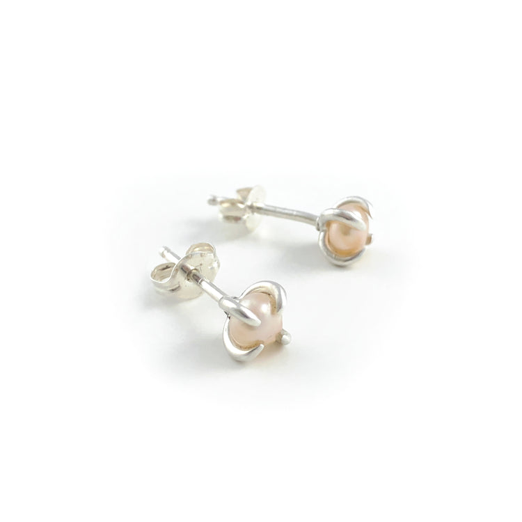 Ava pink pearl studs
