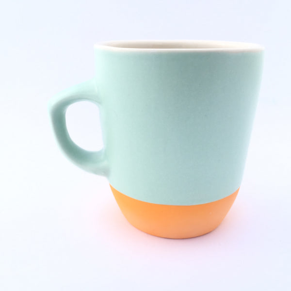 The classic cup with bright yellow
