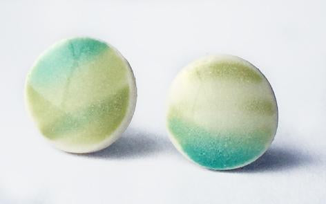 Blue green on snow white circle stud earrings