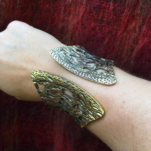 Vintage Tree-bark Hinged Brass Cuff - Nora Catherine