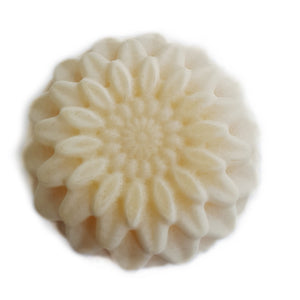 Raluca Skincare - Artisan Soap - White Chrysanthemum - flower shaped soap