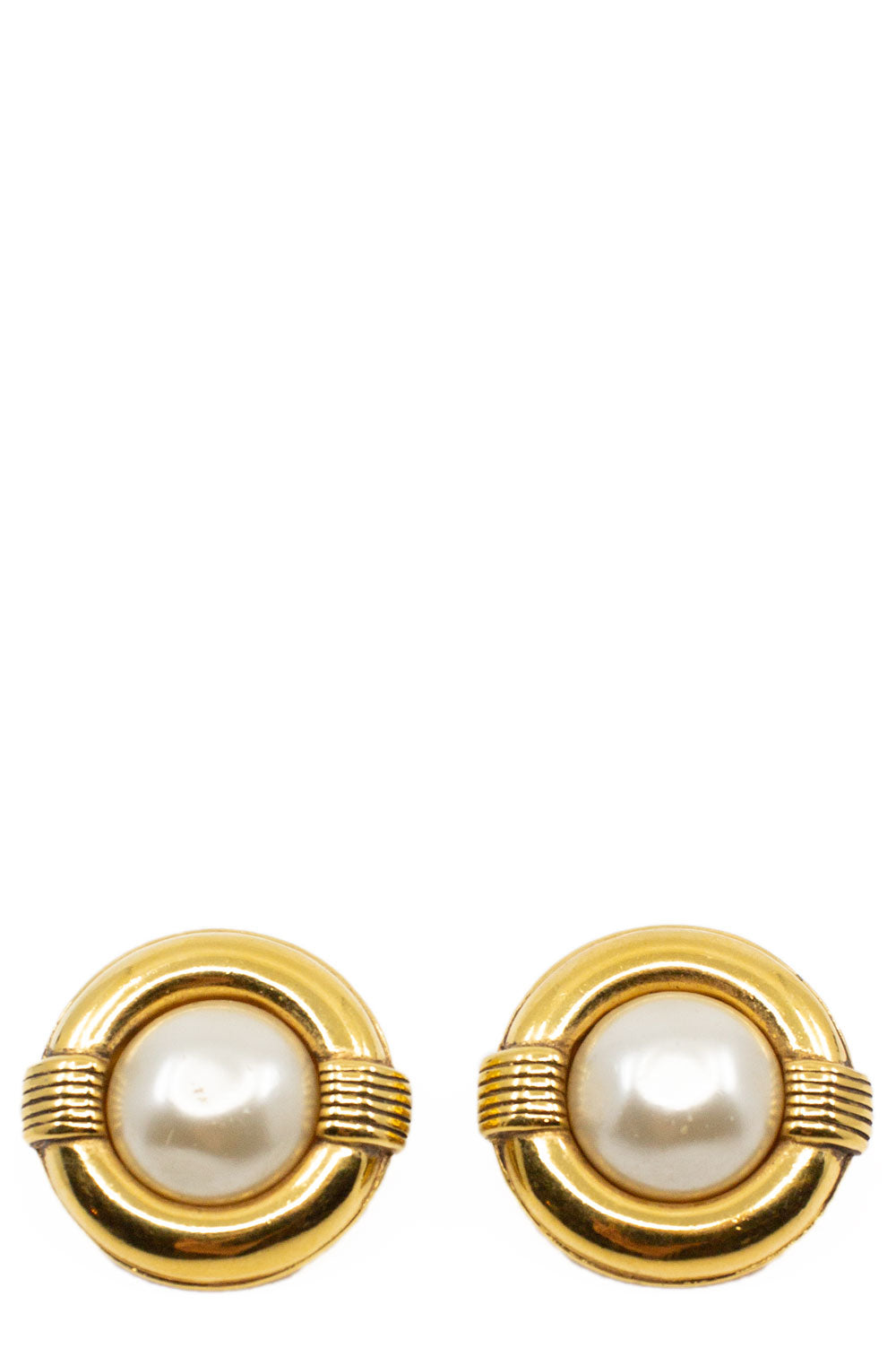 CHANEL Pearl Clip Earrings Large Frontalansicht