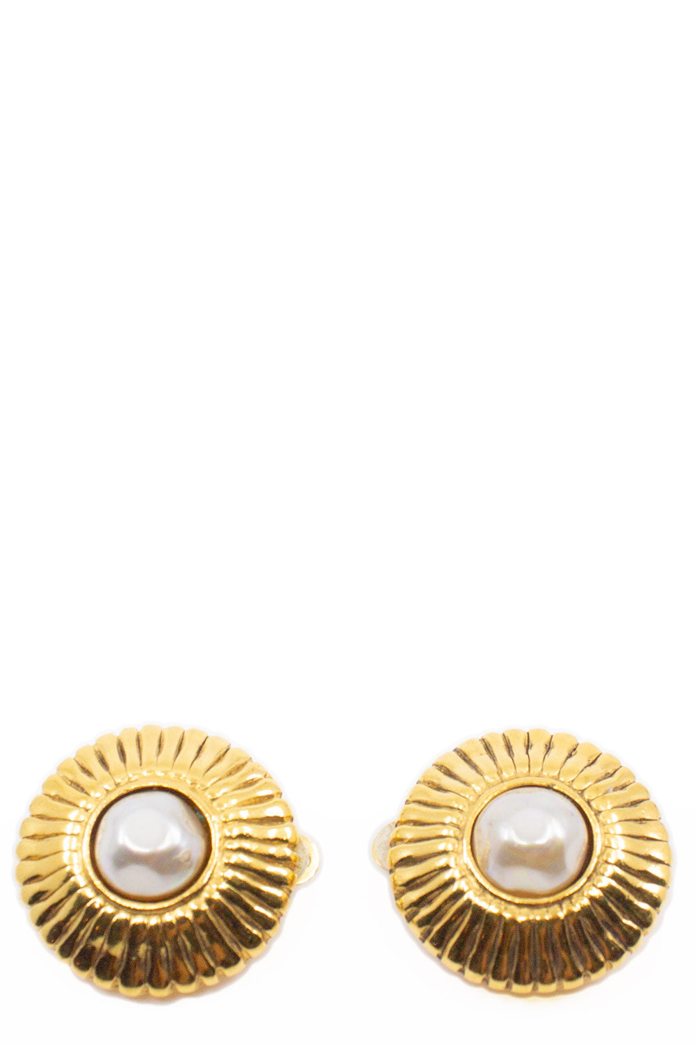 CHANEL Pearl Clip Earrings Frontansicht