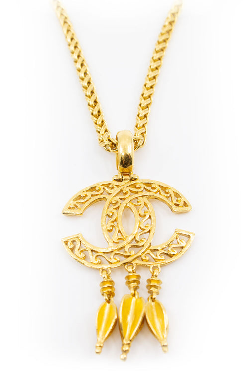 CHANEL CC Vintage Necklace Goldpated 3