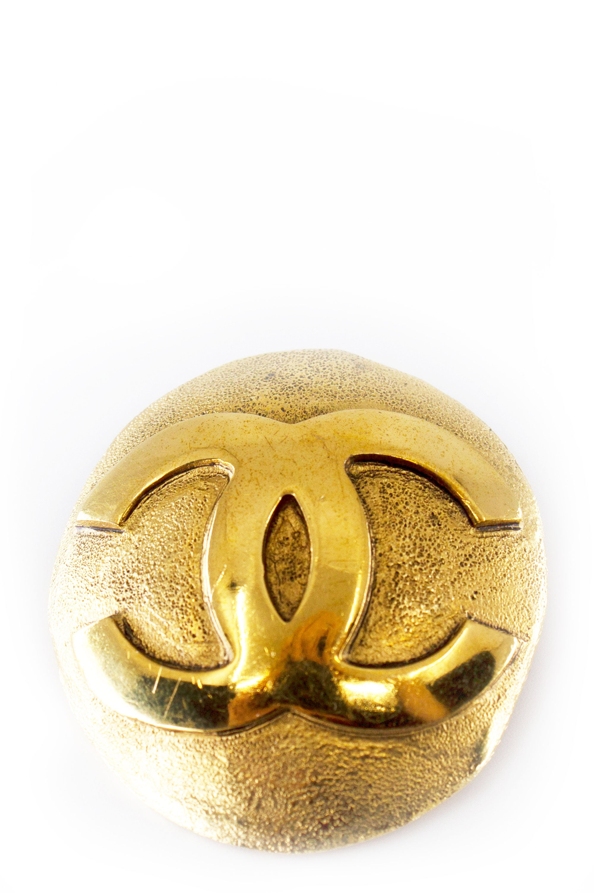 CHANEL Vintage Pin CC Gold