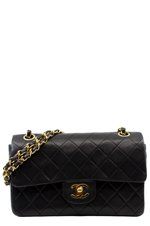 CHANEL Vintage Double Flap Bag Small Frontansicht