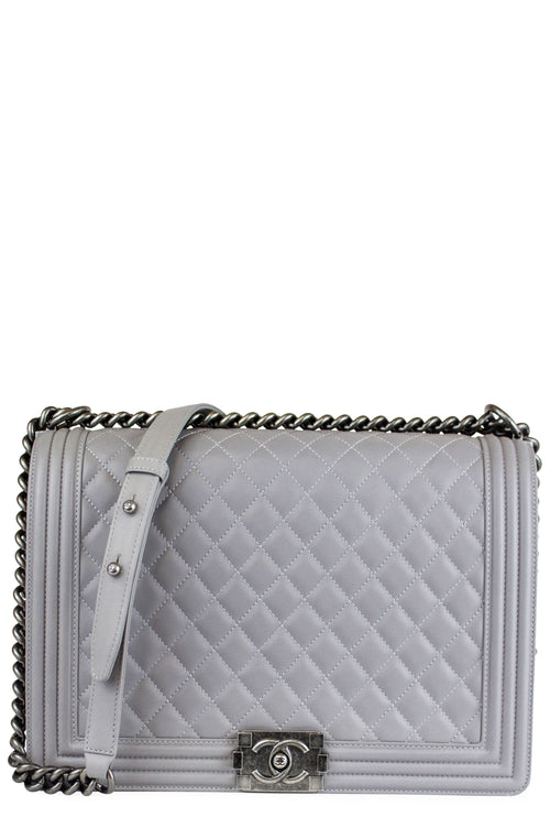 Chanel Boy Large Grau Frontalansicht