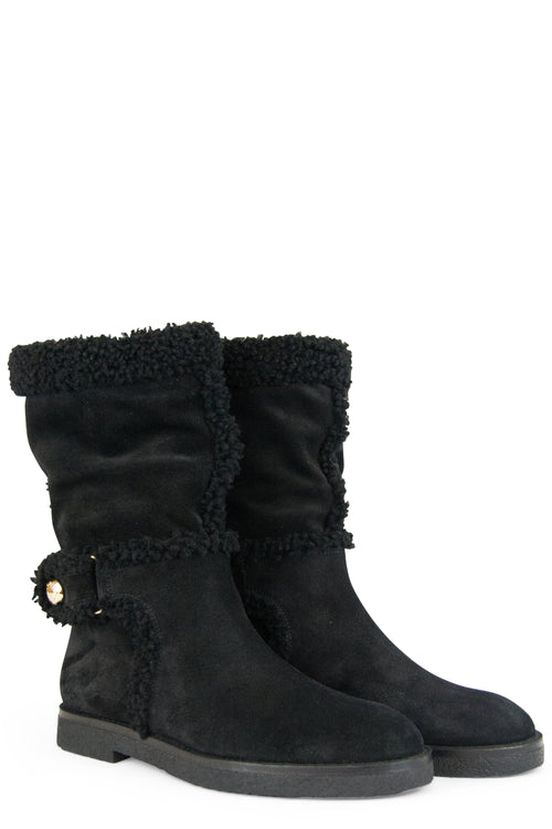 LOUIS VUITTON Lammfell Stiefel