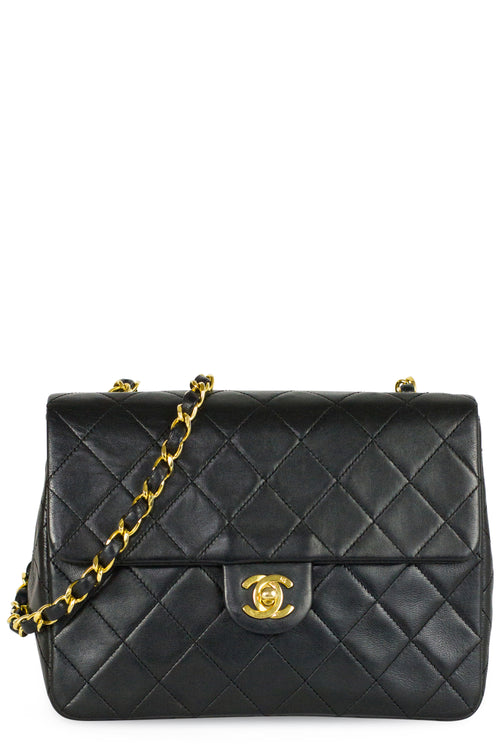 Chanel Mini Flap Bag Black Gold Hardware Frontansicht