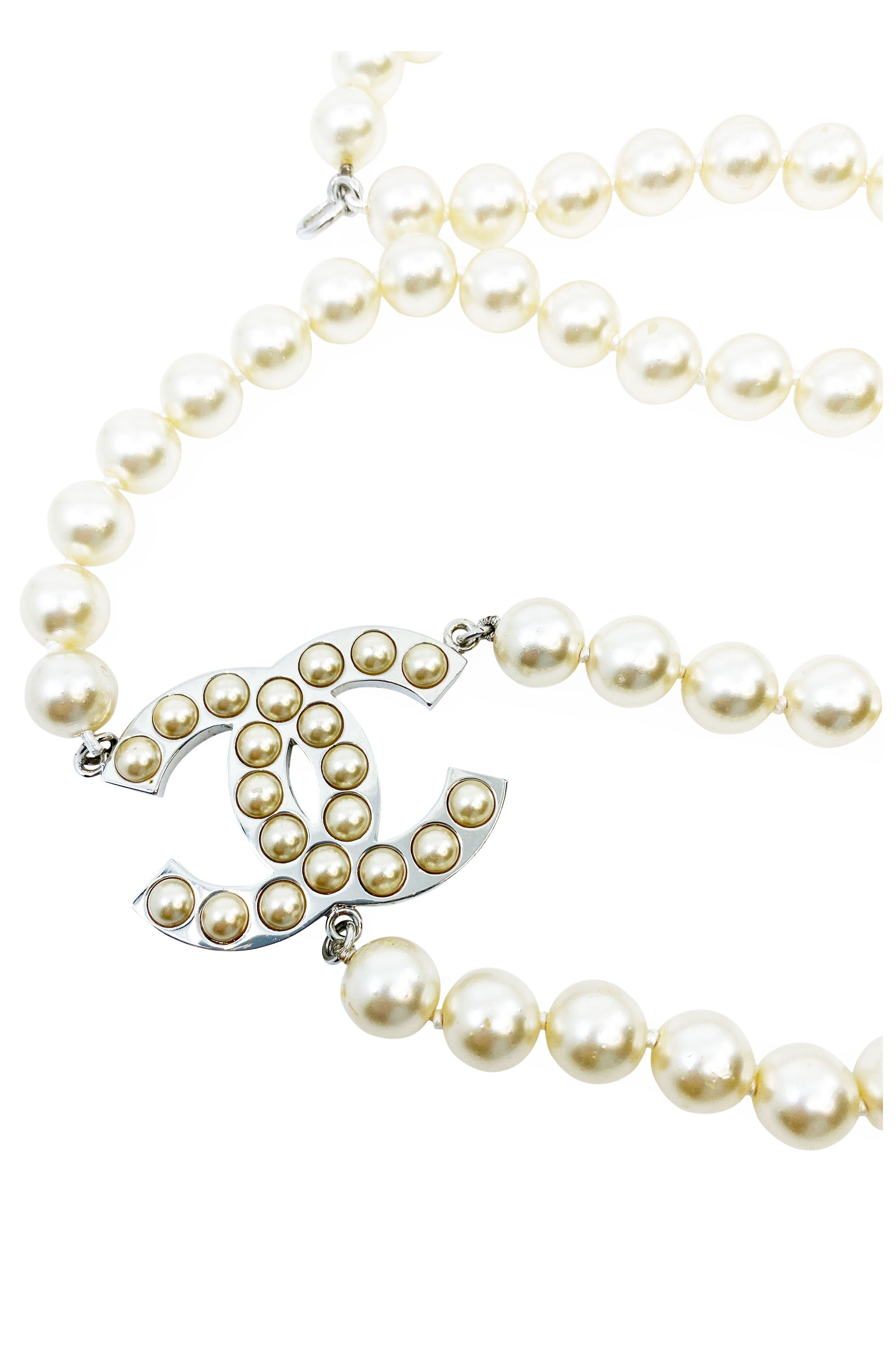 CHANEL Belt Pearls