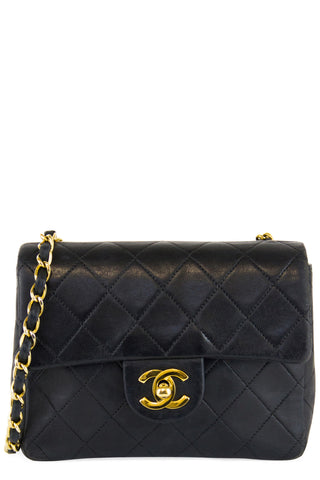 CHANEL V-Stitch Shoulder Bag