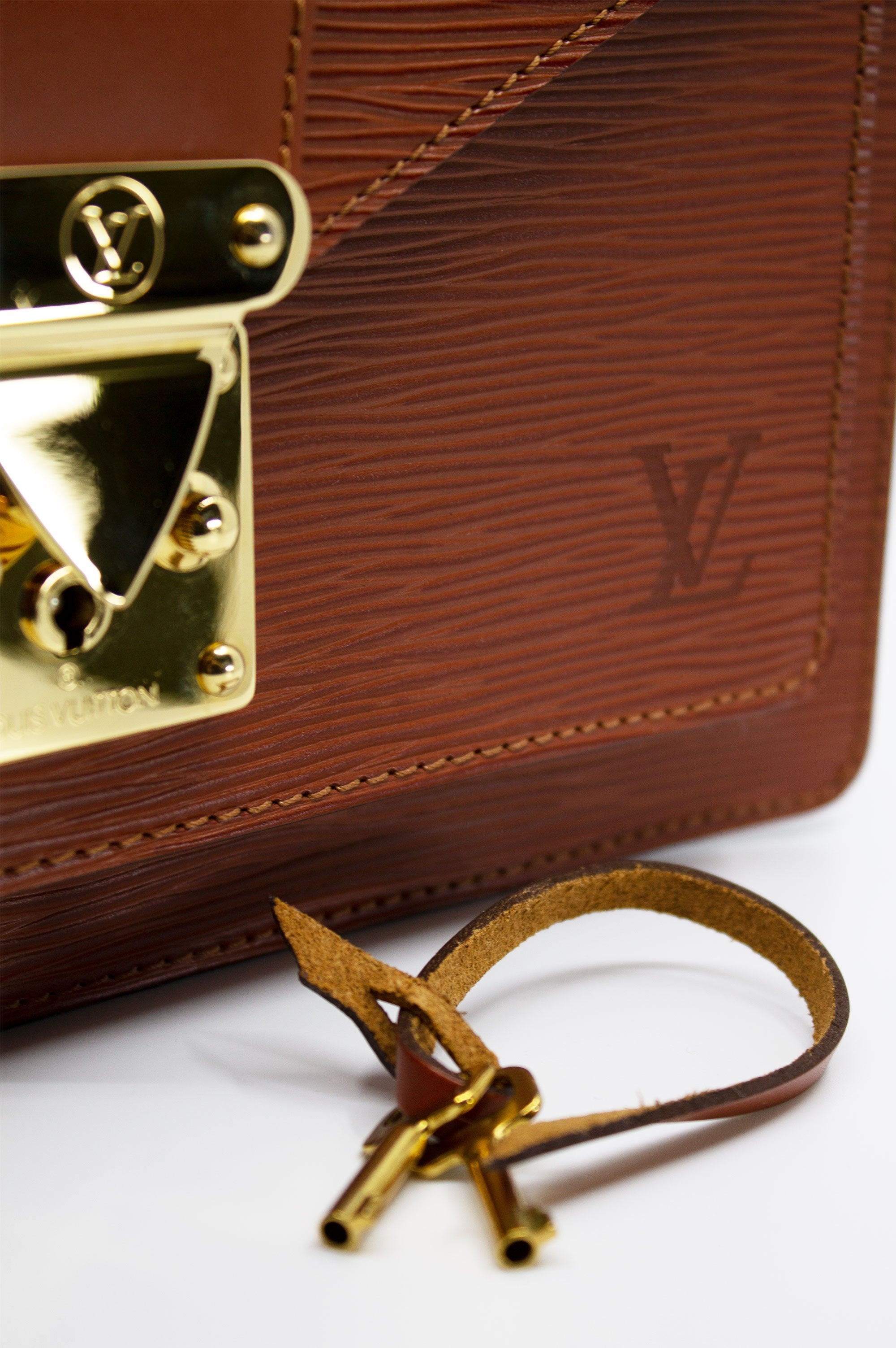 LOUIS VUITTON Monceau Cognac Epi Leather