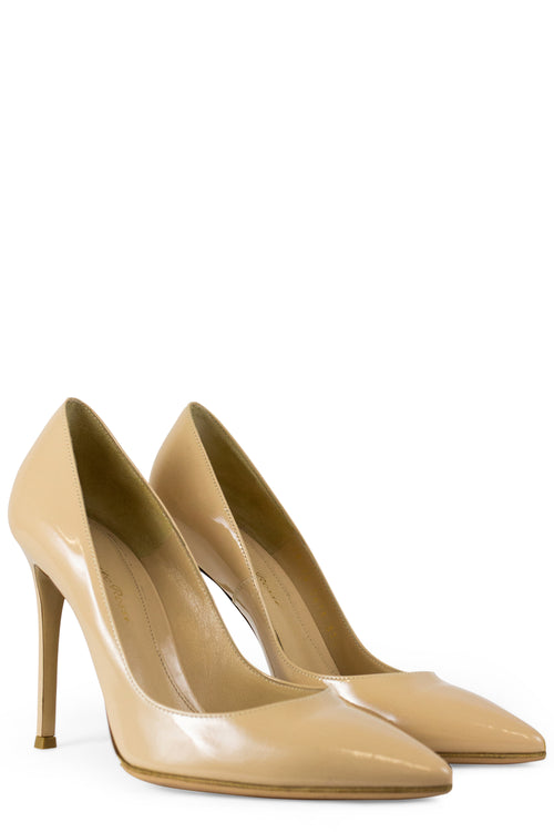 GIANVITO ROSSI Pumps Nude