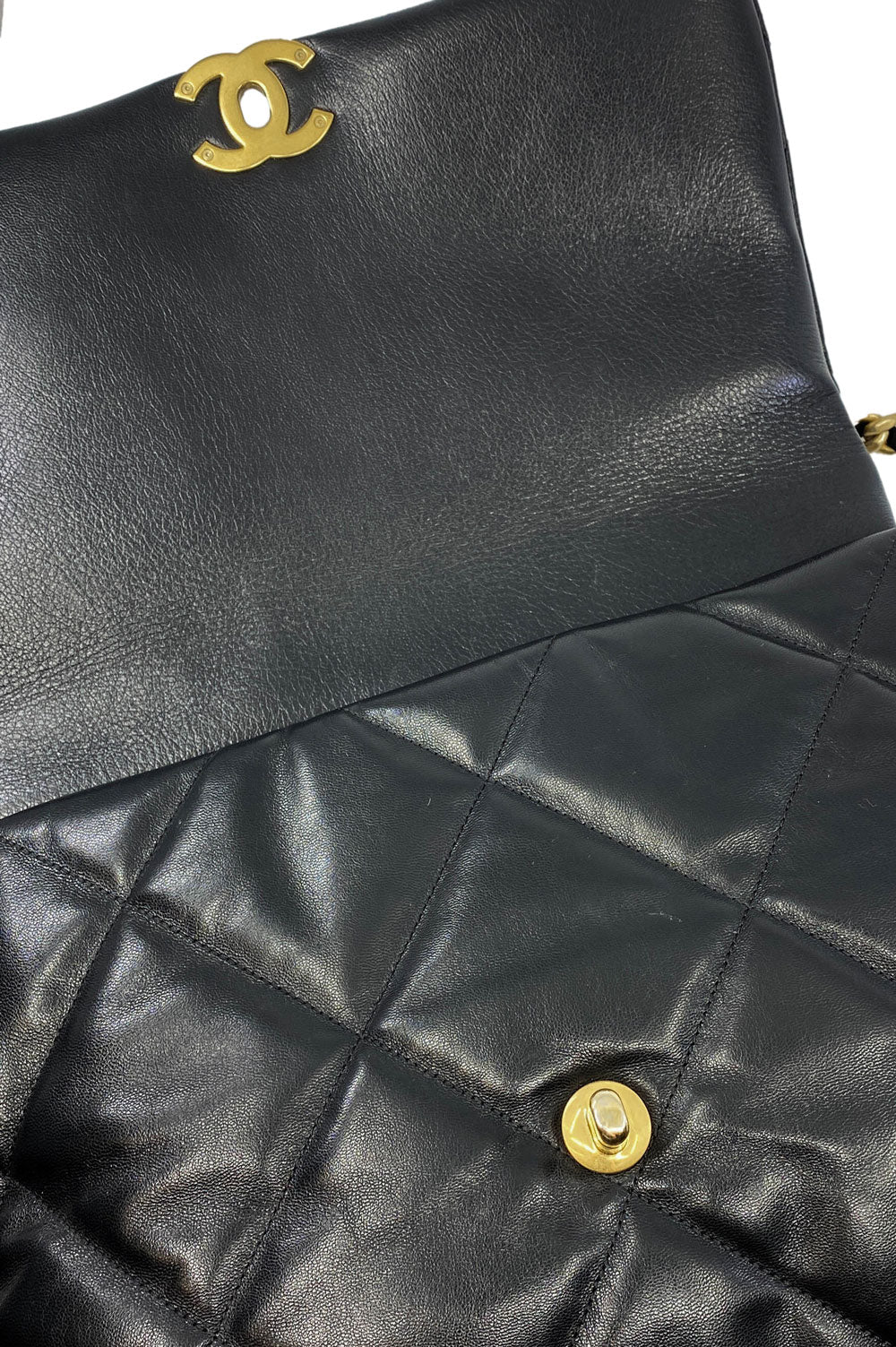 Chanel 19 Large Goatskin Black