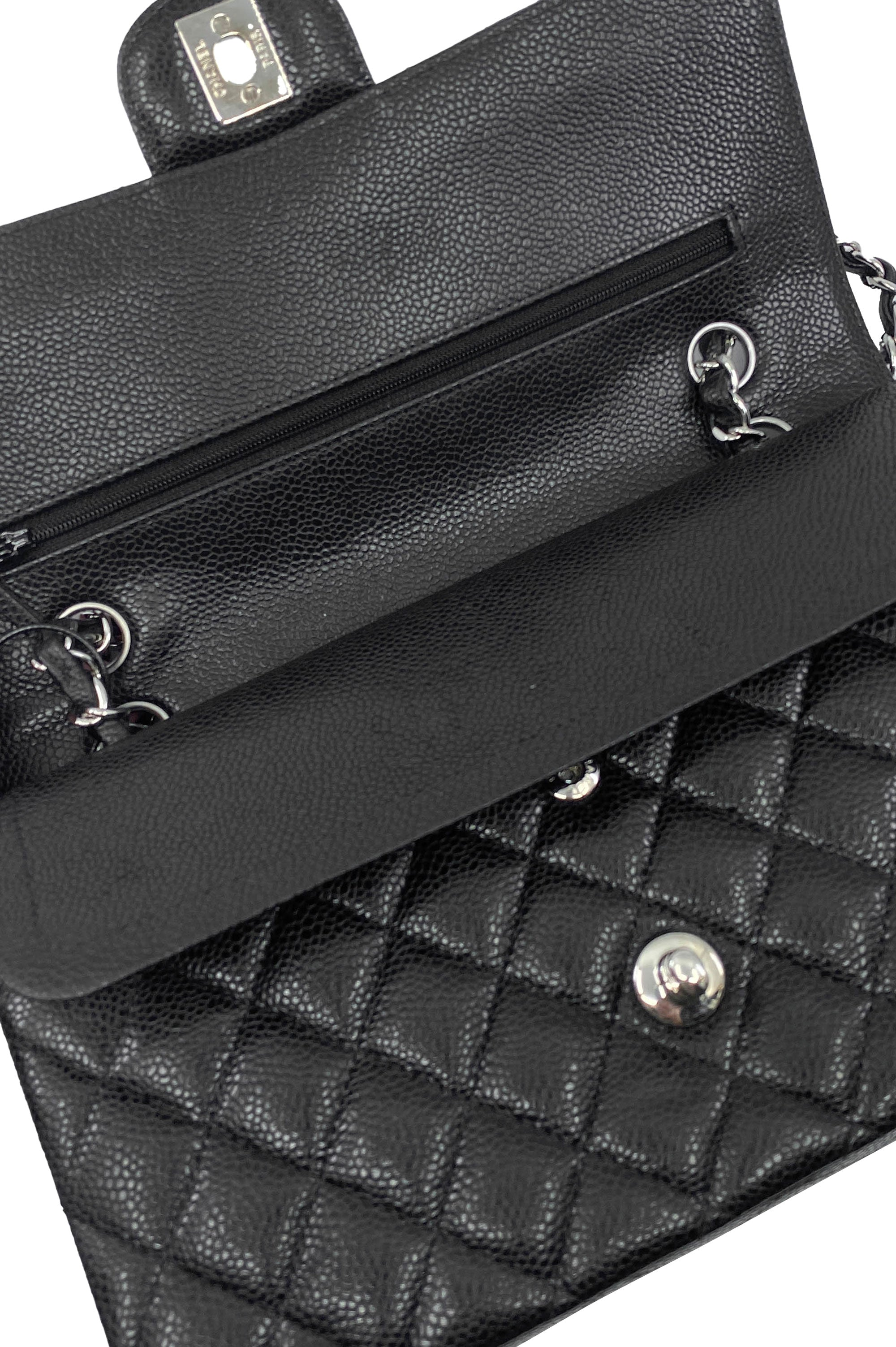 CHANEL Timeless Flapbag Caviar Black