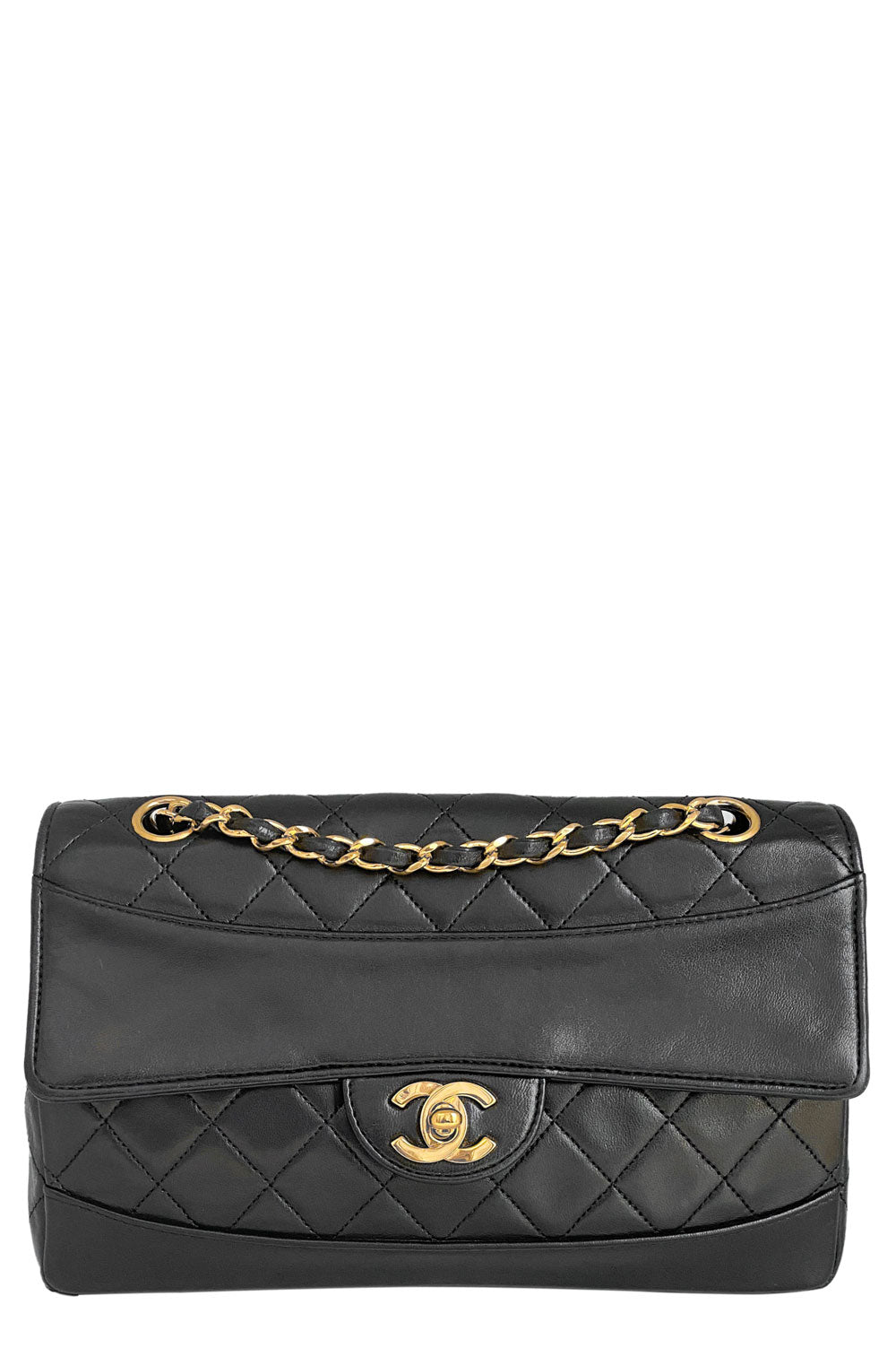 CHANEL Vintage Flap Bag Black Frontansicht