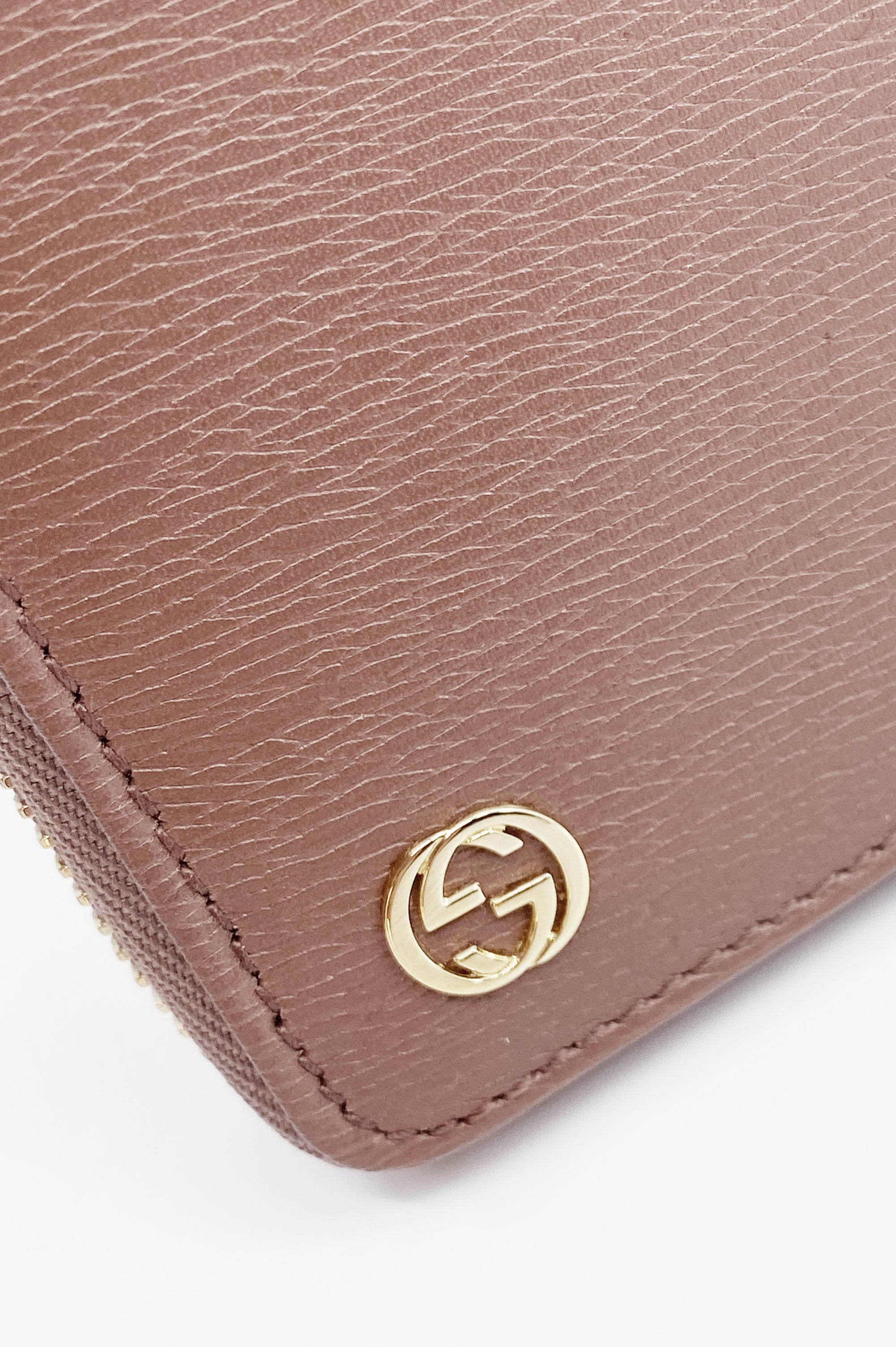 GUCCI Zip Around Wallet Taupe