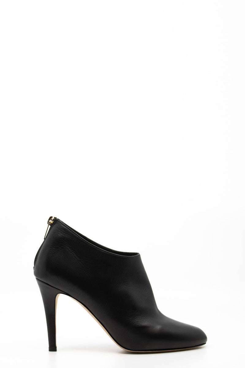 Jimmy Choo Ankle Boots in schwarz.