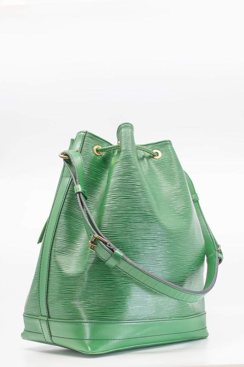 LOUIS VUITTON Grand Sac Noé Green