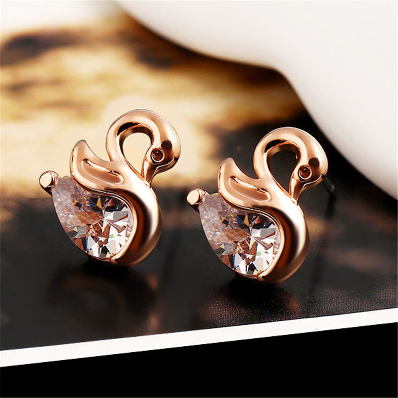 2016 High Quality Zircon Crystal Swan Earrings Unique Design Small Animal Metal Earrings High-end Jewelry Wholesale