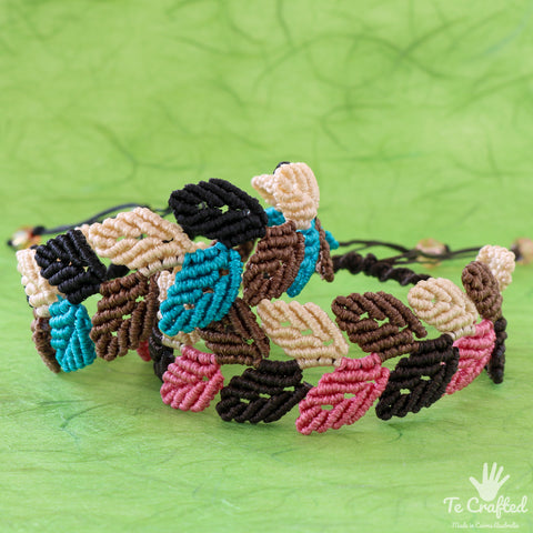 Colourful leaves macrame bracelet