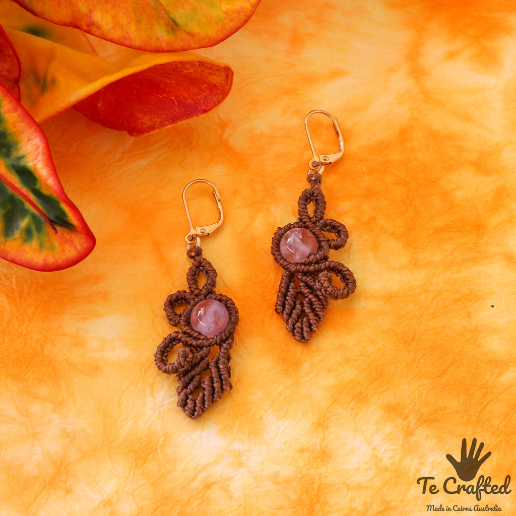 Leaf eye macrame earrings amethyst