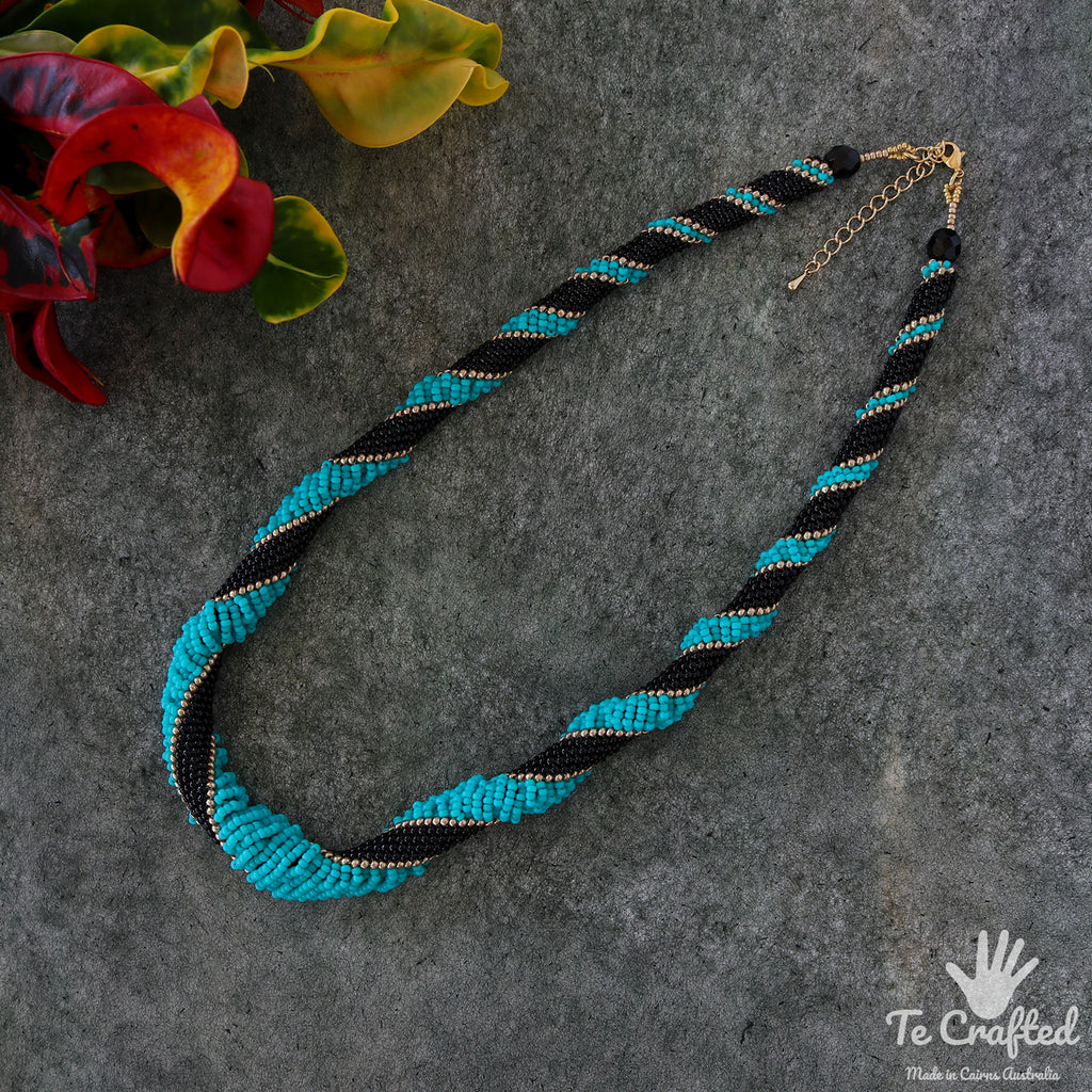 Beaded snake spiral necklace turquoise