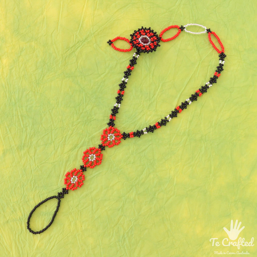 Beaded three flowers anklet with flower closing red