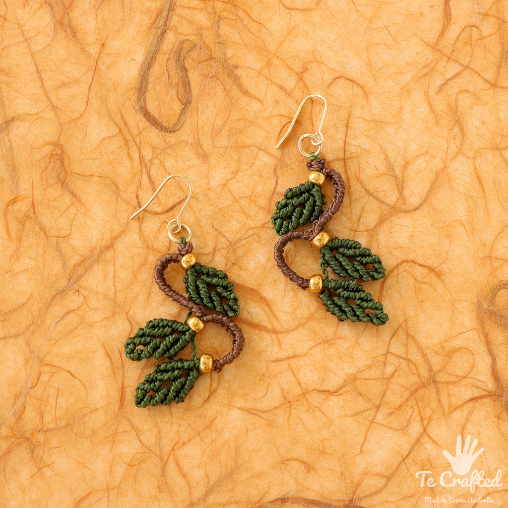 Three leaves macrame earrings