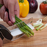 2-in-1 Knife & Cutting Board