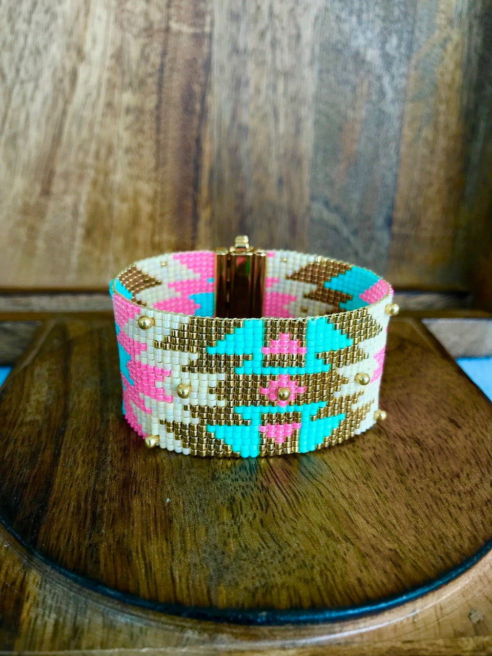 GOLDEN AND PASTEL CUFF WITH GOLD PLATED BEADS