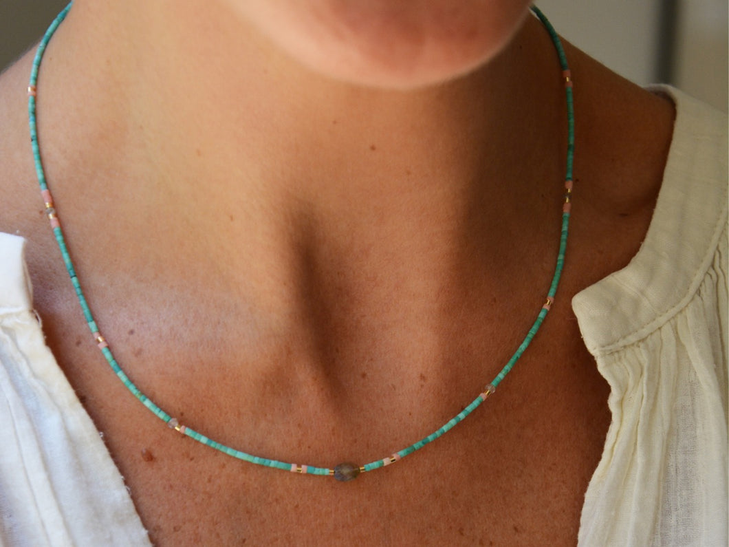 GREEN BEADS Necklace with Labradorite stone