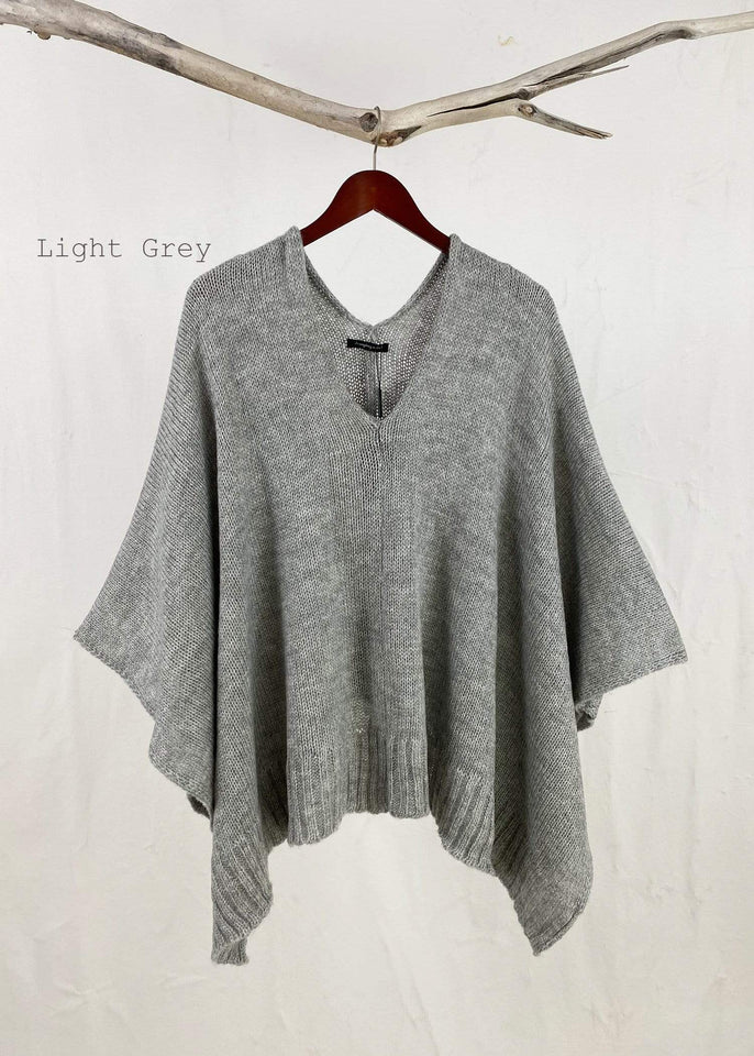 KW Fashion poncho One Size / Light Grey Knitted Poncho