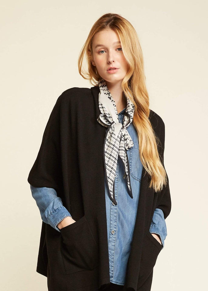 Look by M Scarf Houndstooth Print Diamond Scarf
