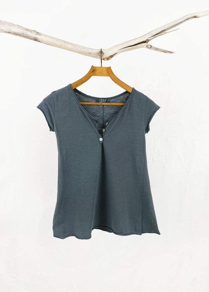 Saga top Charcoal Saga Cotton Henley Tee