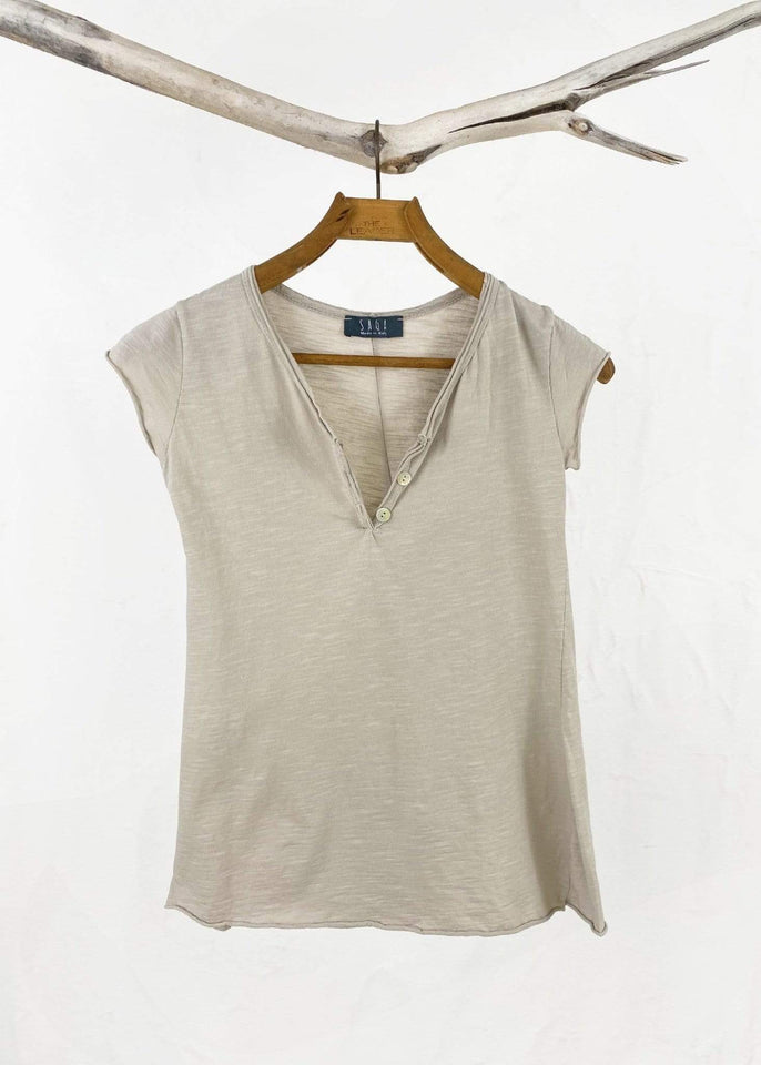 Saga top Sand Saga Cotton Henley Tee