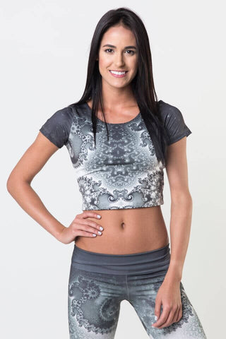 #Mandel Spiral - Power Crop Top