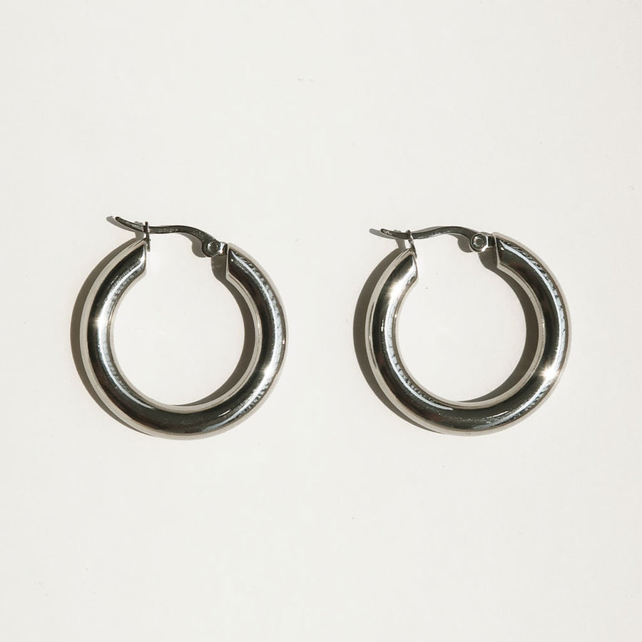 Common Muse - Freja Hoop Earrings - Silver - Large