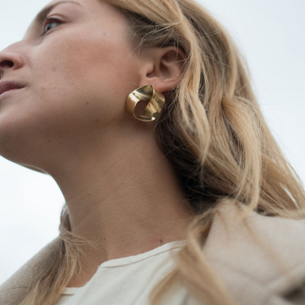 Roundabout Earrings In Brass - Shop Now
