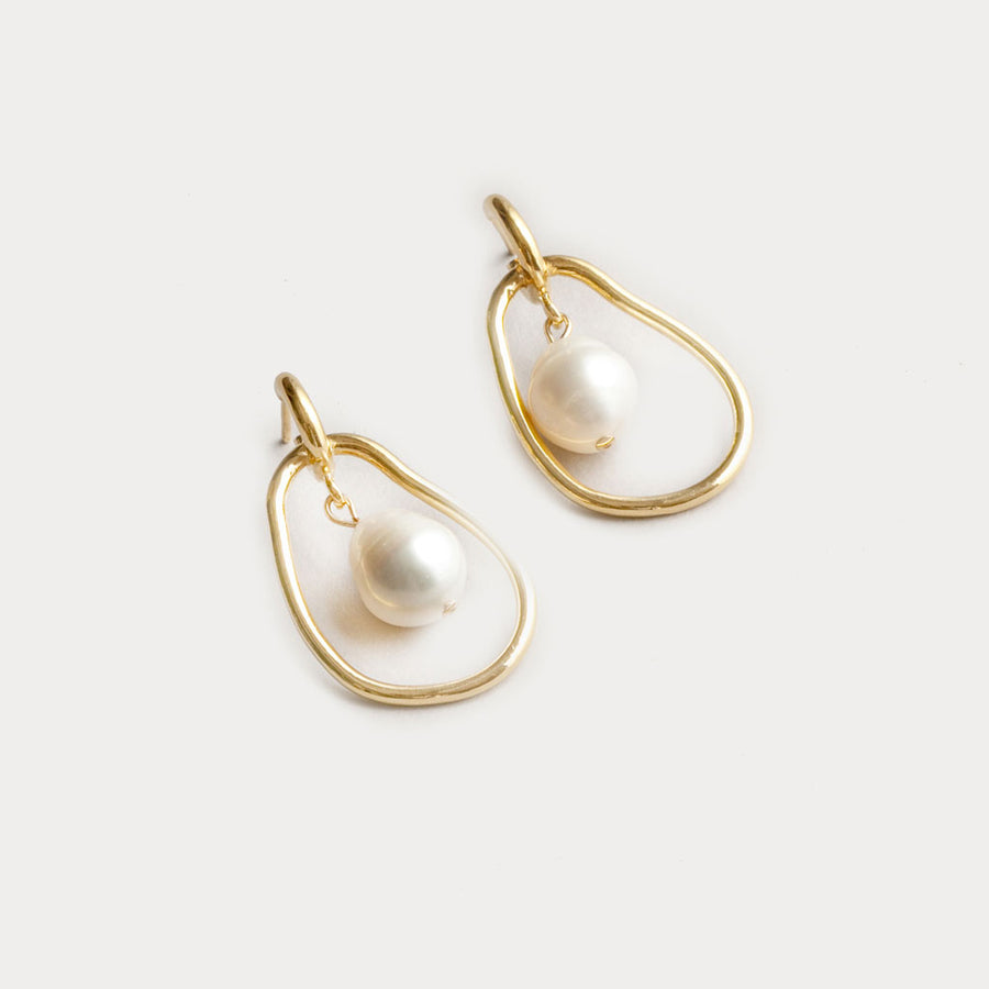 Wolf Circus - Constance Pearl Earrings - Yellow Gold