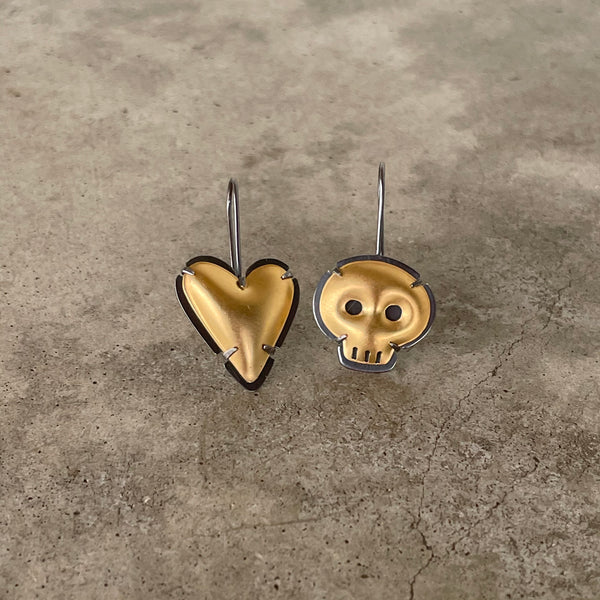 mismatch heart and skull earrings 2 tone