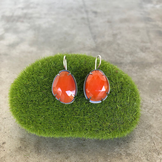 carnelian short drop earrings