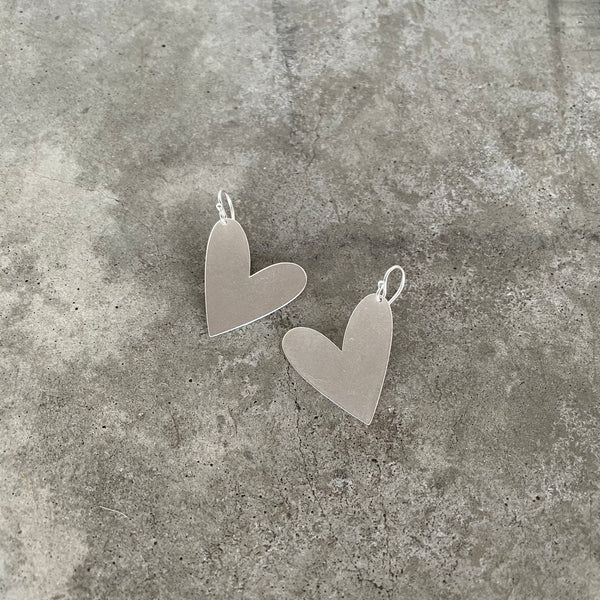 asymmetrical heart earrings (short)