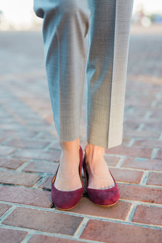 clothing for tall women - must have fall accessories - suede flats
