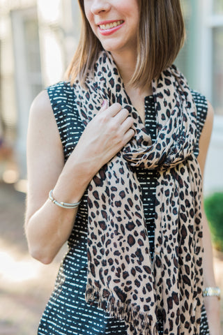 clothing for tall women - favorite fall accessories - leopard print scarf