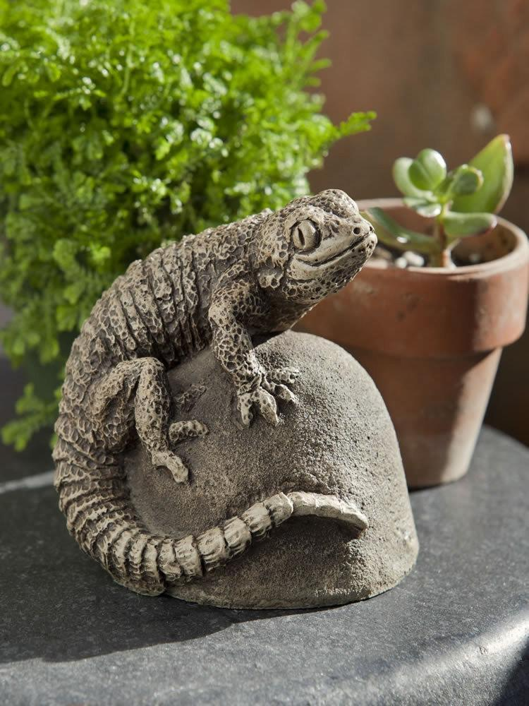 Campania International Ike the Lizard Garden Statue At Home with Beth and Chad