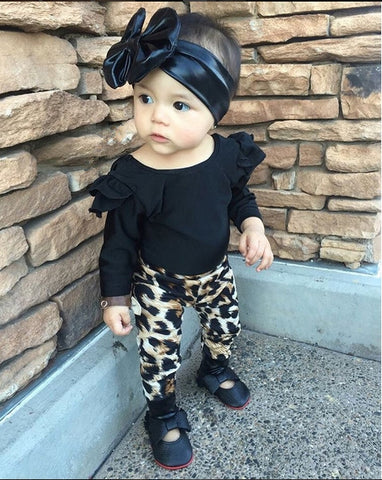 2-Piece Set: Baby Girls' Black Ruffle Top & Leopard Print Pants