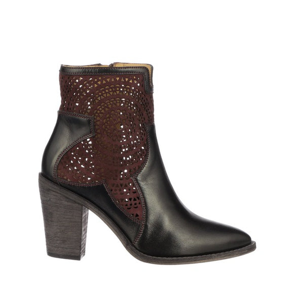 Women's Lucchese Tara Leather Ankle Boots Handcrafted Black - yeehawcowboy