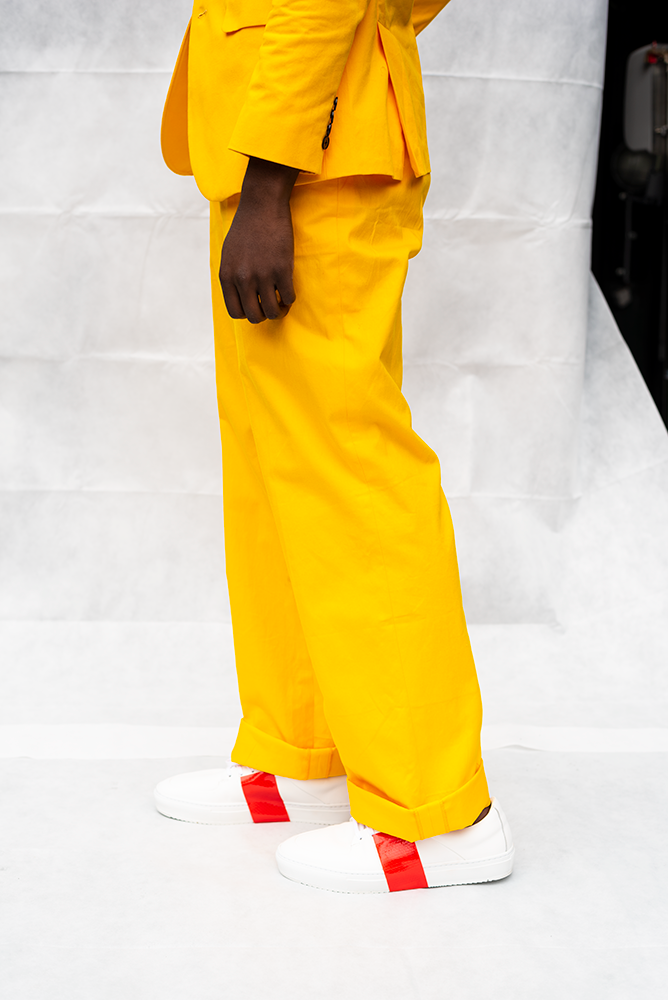MOOKIE : MENS LOOSE CUFFED PANTS / YELLOW